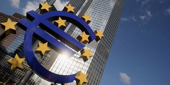 ECB jde nejen, kam až může, ale ještě dál