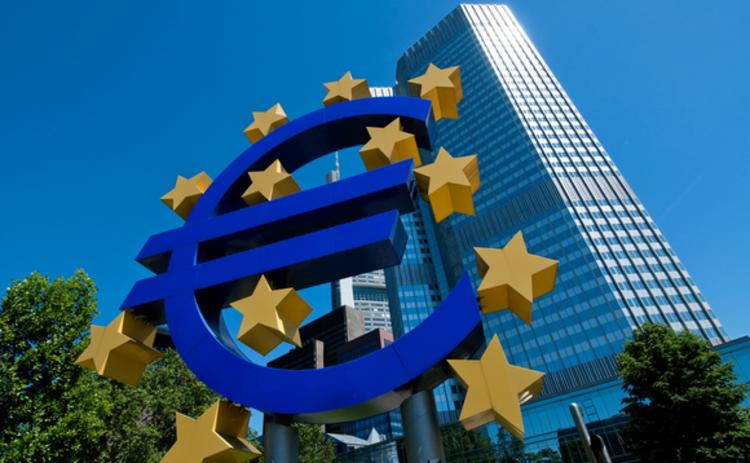 ECB: držte si klobouky