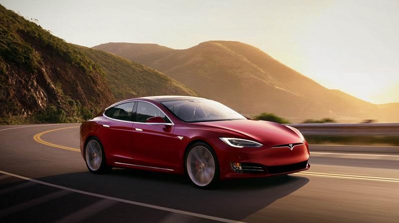Společnost Tesla vstupuje do indexu S&P 500
