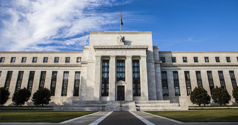 Fed splňuje, co slíbil